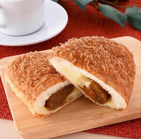 CoCo壱番屋監修 大きなチーズカレーパン