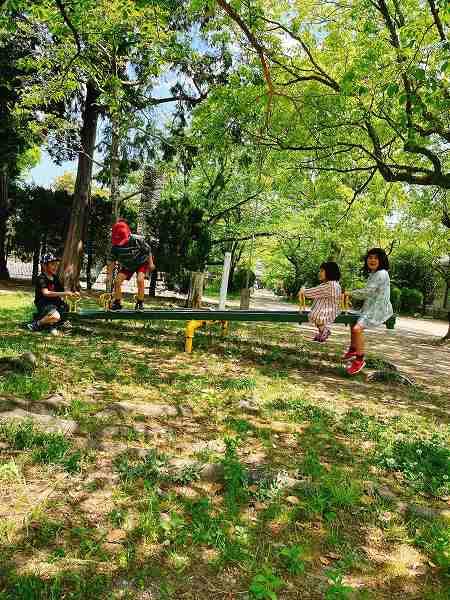 近くの公園で-3
