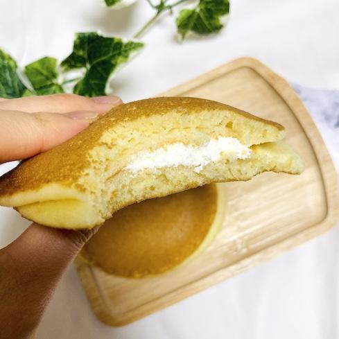 クリームチーズ入りなので、少し酸味もあって爽やかな食べ心地になっています♪