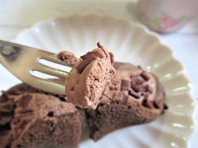 ショコラクリームは甘さ控えめ